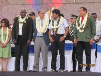 Esteban Lazo (Cuba), Alvaro Linera (Bolivie), Evo Morales et Hugo Chavez