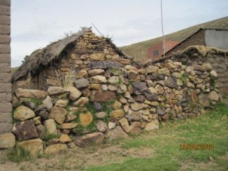 Muret de peirres à Pariti