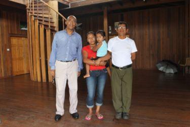 Avec une famille amérindienne