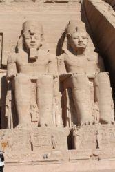 Abou Simbel, le grand temple avec statues colossales de Ramses II