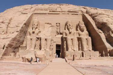 Abou Simbel, les 4 statues colossales Ramses II