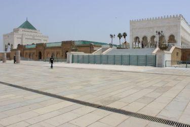 Rabat, esplanade du mausolée royal