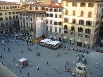 Piazza de Signoria, staut éuestre de Cosme Ier de Medicis.