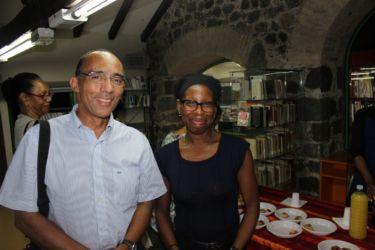 Avec Ayelevi Novivor (Medium)