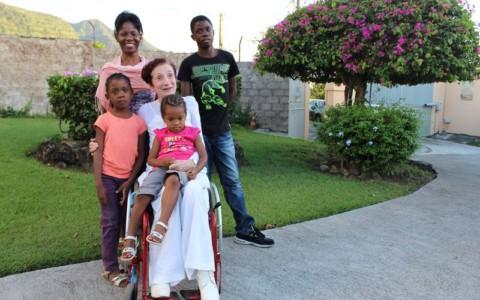 Jean Antoinette et une famille