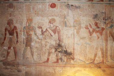 Abydos, paroi d'une des 7 chapelles