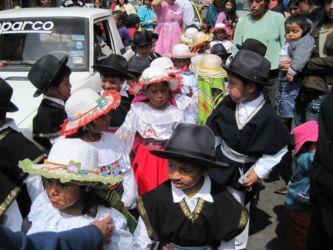 Défilé des enfants à Riobamba