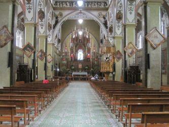Dans la basilique de Banos