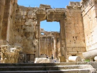 Entrée du temple de Bacchus