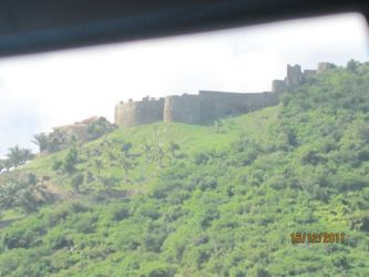 Fort Louis, dominant Marigot