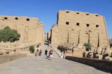 Karnak, dromos de sphinx à tête de bélier
