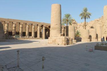 Karnak, la grande cour