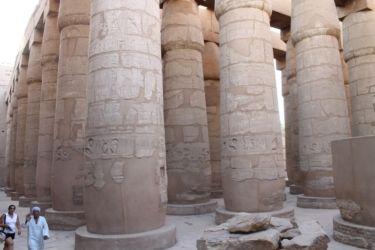 Karnak, salle hypostyle à 134 collones de 23 m