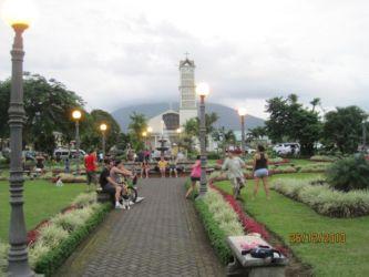 La Fortuna avec, derrière, le volcan Arenal