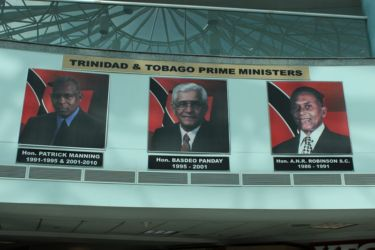Les Premiers Ministres Manning, Panday, Robinson