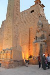 Louxior, obélisque et colosse de Ramsès II