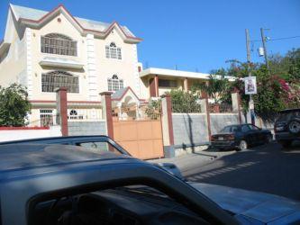 Maison cossue à Port-au-Prince
