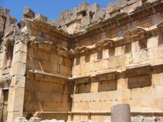 Murs du temple de Bacchus, Baalbeck