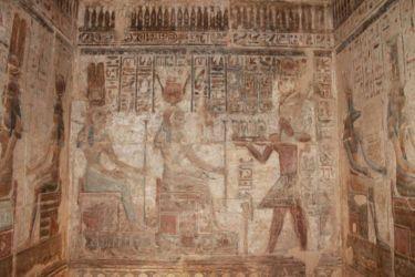 Offrande de pharaon à la déesse Hathor