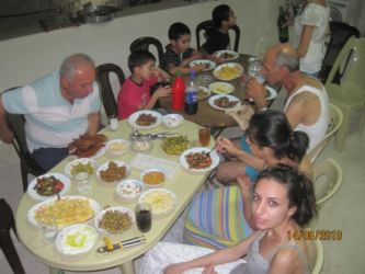Repas familial en Syrie