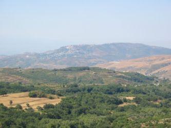 Safita et le Castel Blanc, vus depuis le Krak des Chevaliers