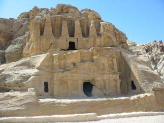 Tombeau aux obélisques et Triclinium de Bab el-Siqh