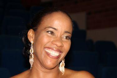 Coretta Jean-Alexis Moueza (Medium)