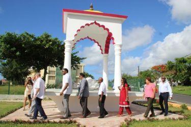La délégation cubaine au méorial des engagés indiens
