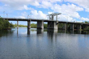 Pont de l'Alliance, sur la Rivière Salée