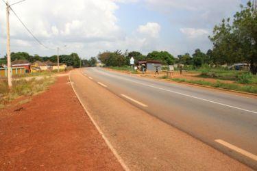 Kodjina, sur la route d'Abengourou à Abidjan