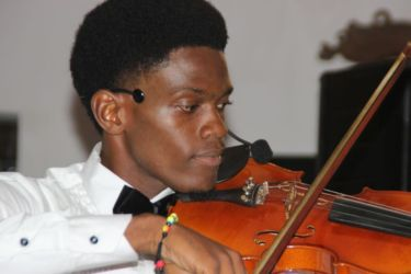 Anga Kryste (violon)
