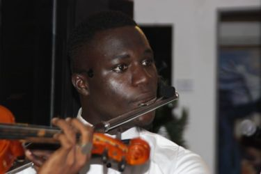 Rémy Sakia (flûte traversière)