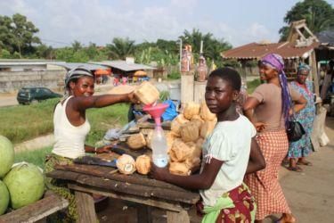 Vendeuses d'eau de coco