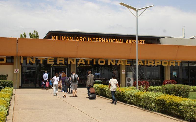 LE KILIMANDJARO, TOIT DE L'AFRIQUE